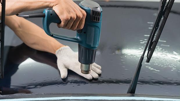 pemasangan kaca film di mobil