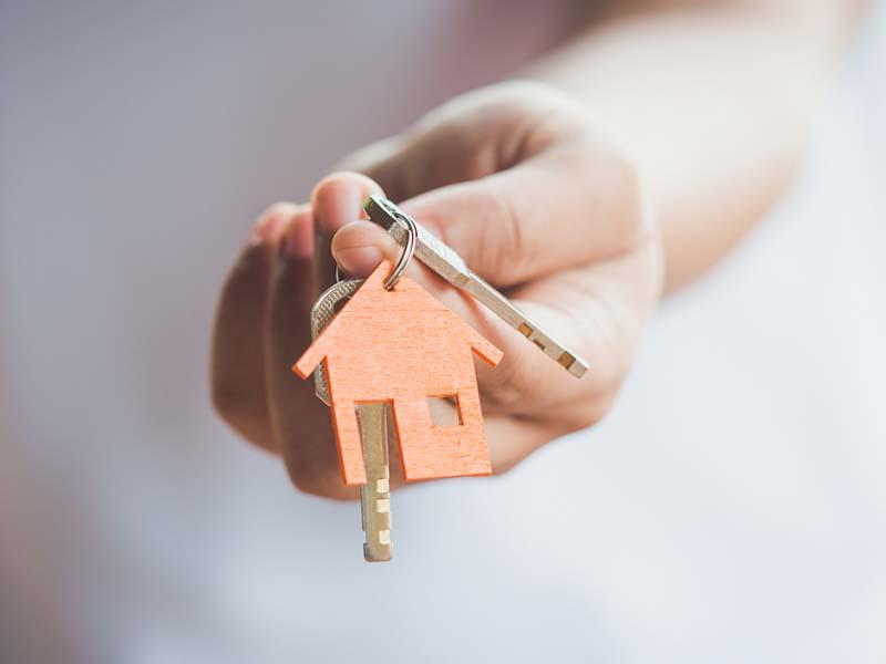 Karyawan kontrak bisa punya rumah