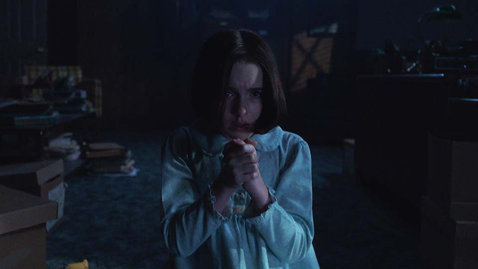 review film annabelle comes home
