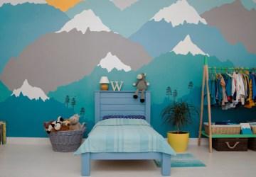membuat mural di dinding rumah