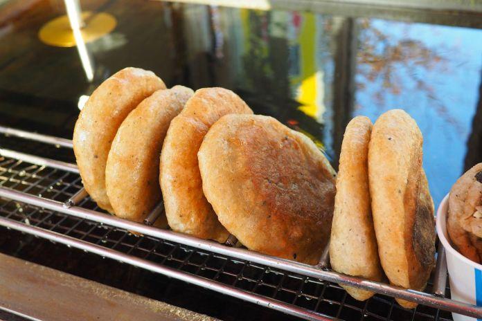 Korean sweet street pancake called Hotteok