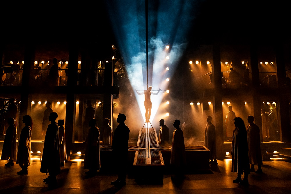 The company of the North American Tour of Jesus Christ Superstar. Photo by Matthew Murphy.