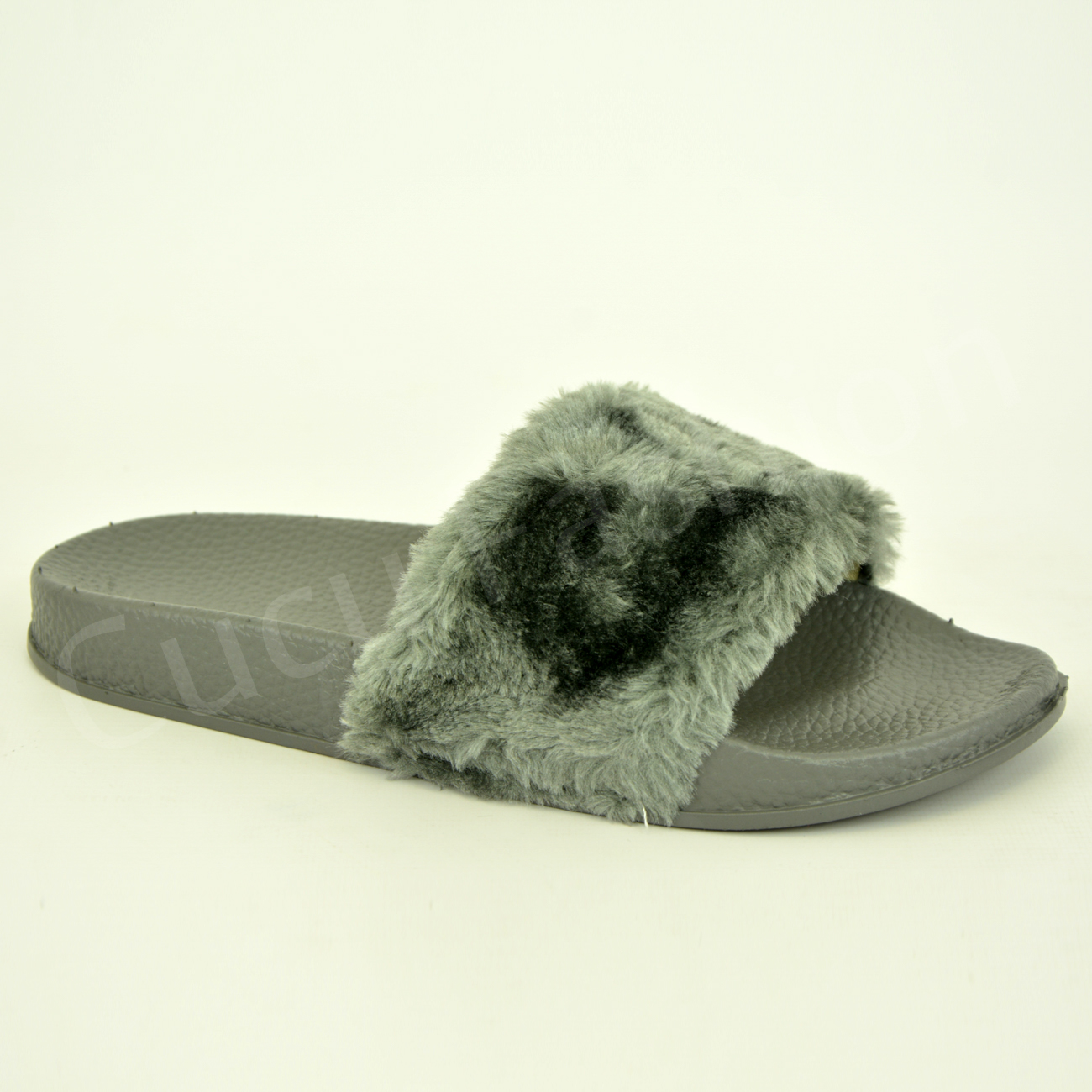 08ac67ee3f1b Justin Furry Flip Flop Slippers