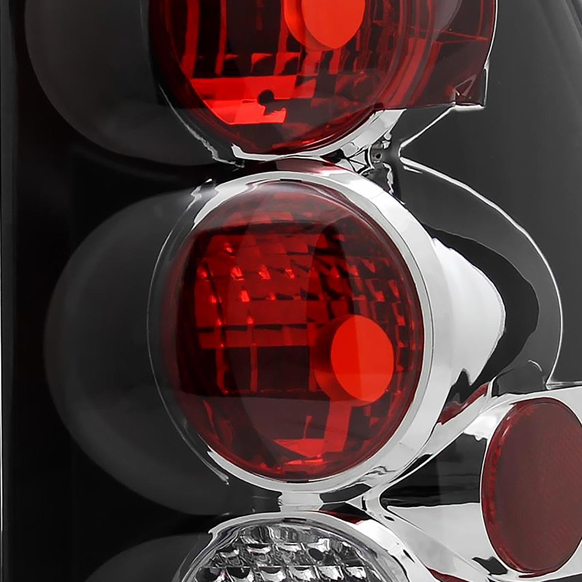 20022009 Chevy Trailblazer Black Tail Lights Brake Lamp