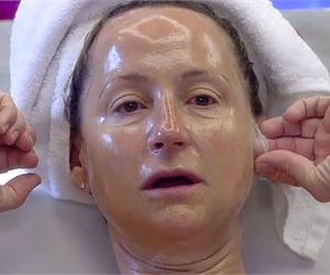 60 Year Old Mum Removes 2 Decades of Wrinkles in Weeks
