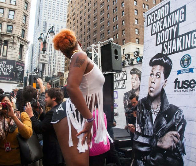 Record Breaking Booty Shaking In Herald Square By Ariel Lebeau