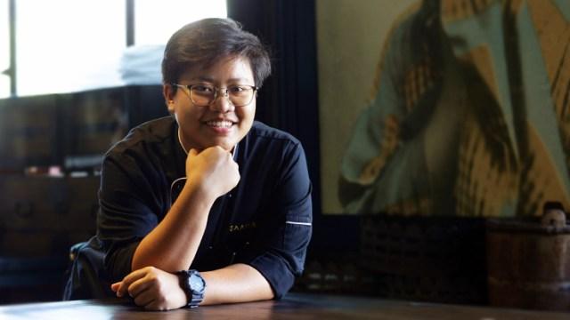 "2021 MICHELIN Guide Young Chef Award: Sujira ""Aom"" Pongmorn, Chef de Cuisine of Saawaan. (© Saranyu Nokkaew / MICHELIN Guide Thailand)"