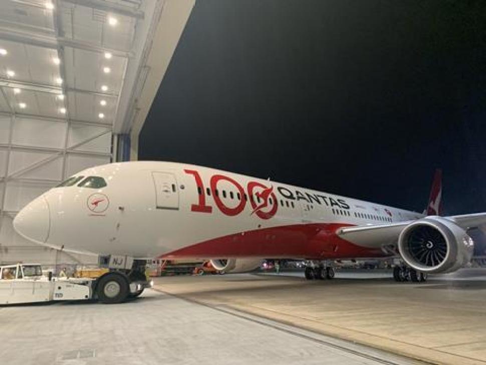 Qantas100_1