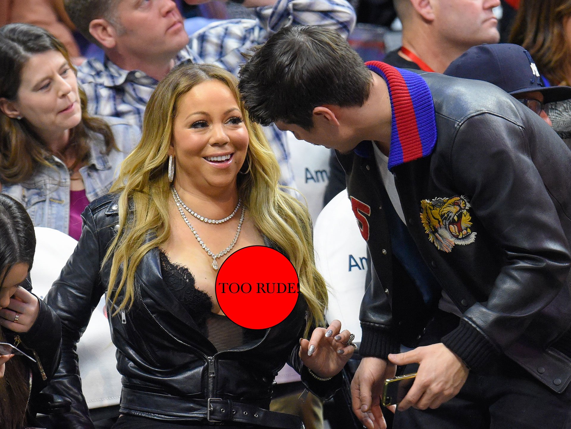 Mariah Carey Suffers Embarrassing Nip Slip Womans Day