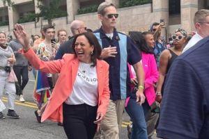 Kamala Harris, première vice-présidente en exercice des États-Unis à participer à une Gay Pride