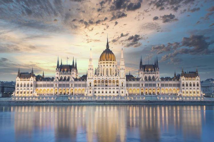 Des sanctions de l'Union européenne contre la Hongrie pour sa loi interdisant la propagande LGBT auprès des enfants?