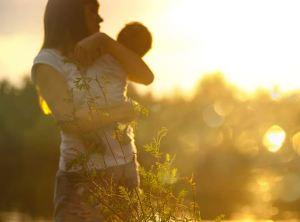 Une mère refuse l'avortement «médical» et a une fille en bonne santé
