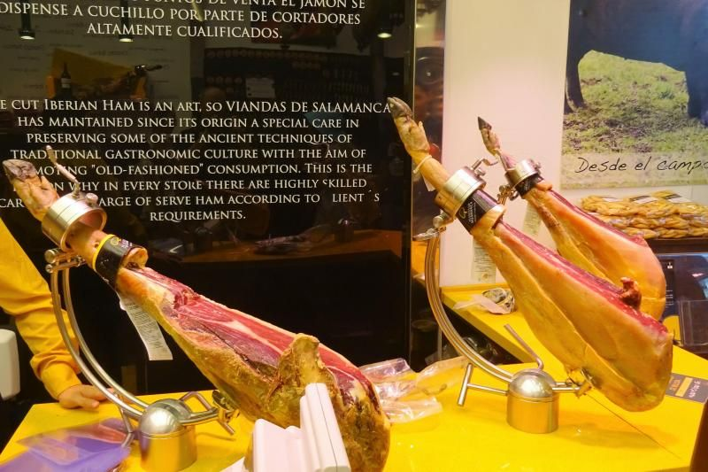 Madrid Wine Tasting and Iberian Ham Tapas Tour