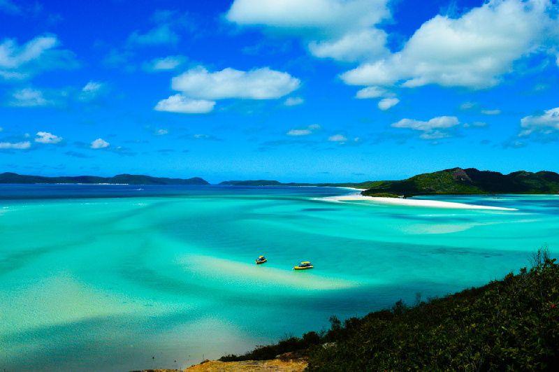 10-Day Australia Tour: Fraser Island, Noosa River, Rockhampton, Whitsunday Islands, & Airlie Beach