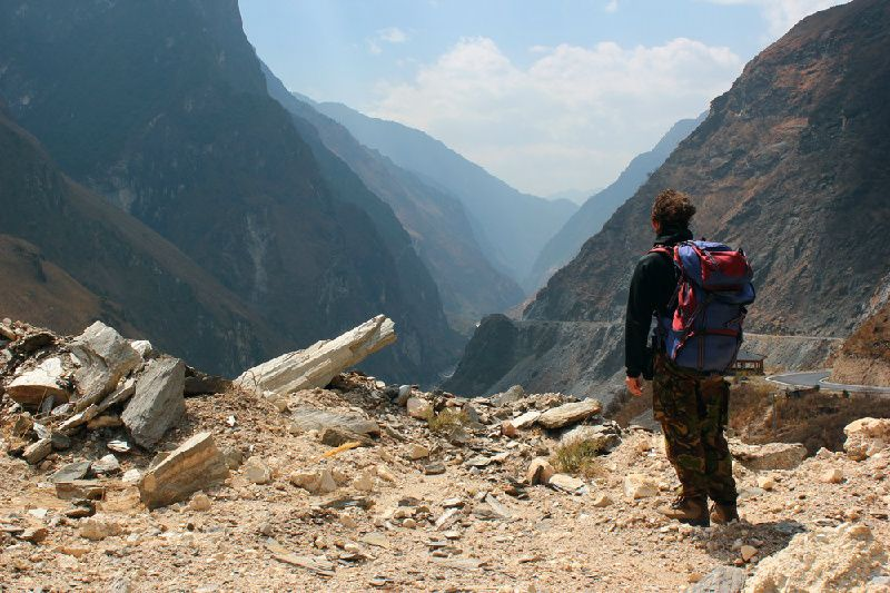 2-Day Tiger Leaping Gorge Hiking Tour From Lijiang