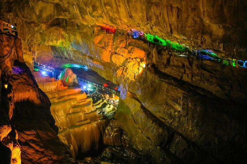Stone Forest and Jiuxiang Cave Private Tour from Kunming