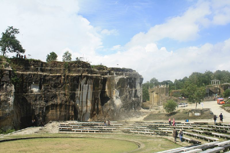 4-Day Yogyakarta Kalibiru Sunset Ijo Temple - PRIVATE TOUR
