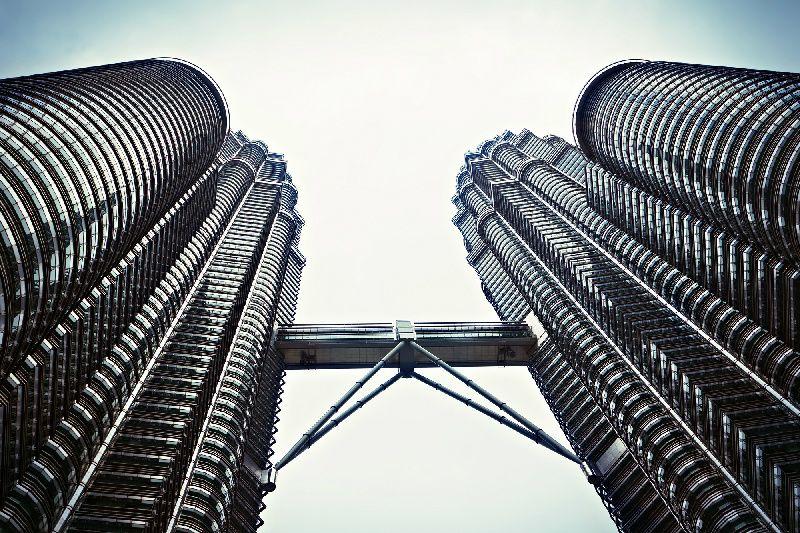 Kuala Lumpur Amazing Night Tour with Petronas Twin Tower & Cultural Show