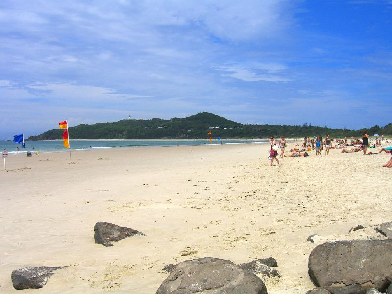 1-Day Byron Bay & Crystal Castle Tour