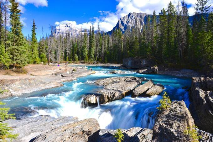 4-Day Rockies Mountains Tour from Calgary: Jasper, Maligne Lake, Banff, Johnston Canyon, Columbia Icefield