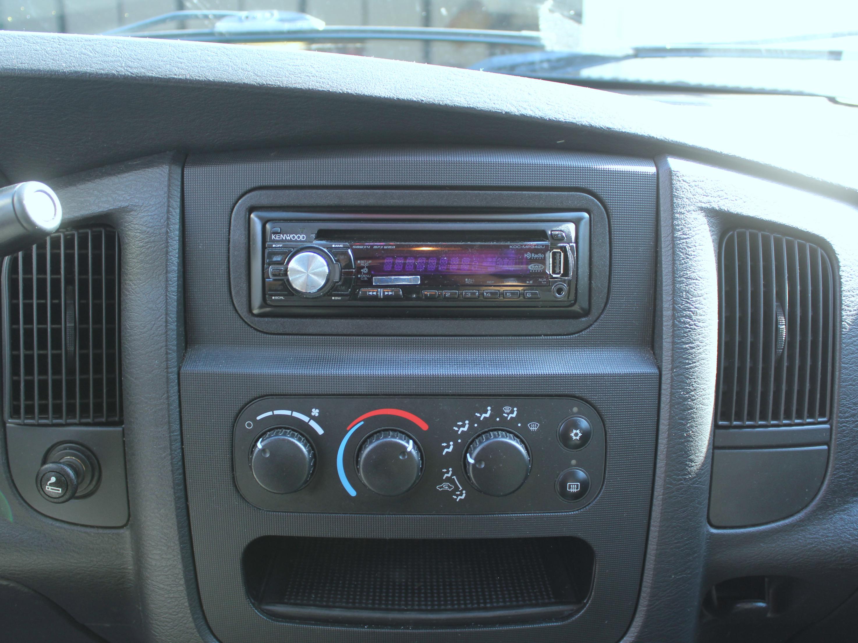 Dodge Double Kit 2004 Din Ram Dash