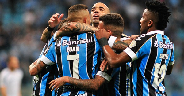 Gremio v Flamengo: A stunning goal & a shot so hard the keeper needed physio - Planet Football