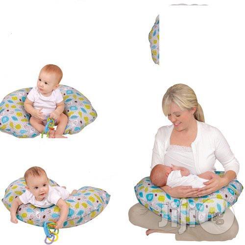 baby nursing and breastfeeding pillow