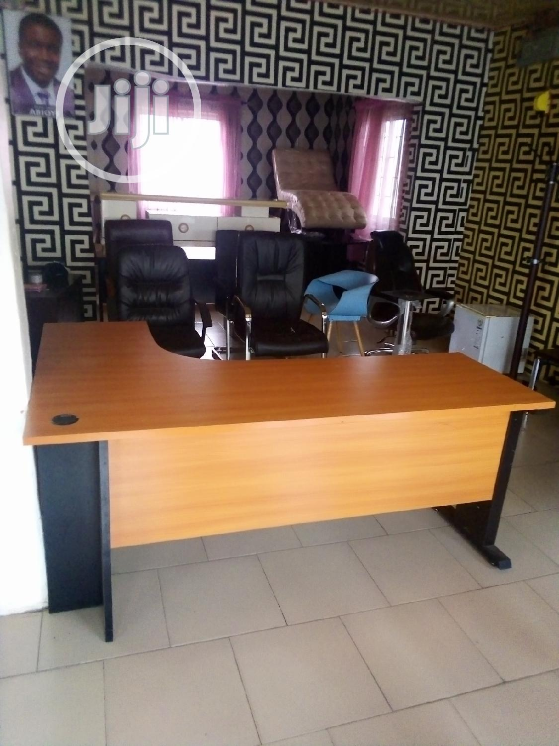 unique 1 8mtr l shape office table with mobile drawer