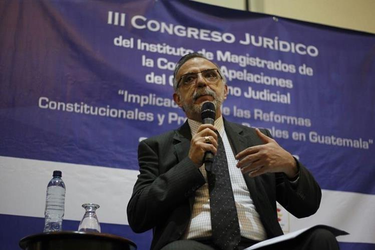 El comisionado Iván Velásquez expone ideas acerca de las reformas al sector justicia. (Foto Prensa Libre: Paulo Raquec)