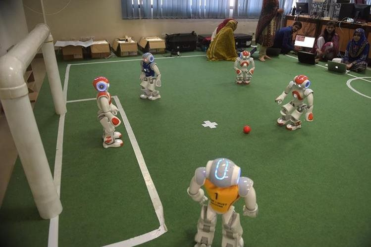 La competencia de Robocup se realizará a partir de mañana en Berlín. (Foto Prensa Libre: EFE)
