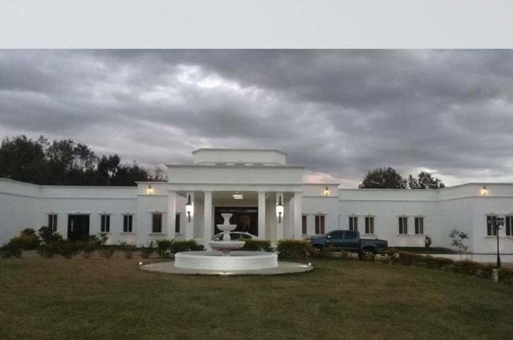 La mansión de Manuel Baldizón allanada el fin de semana. (Foto Prensa Libre: MP).