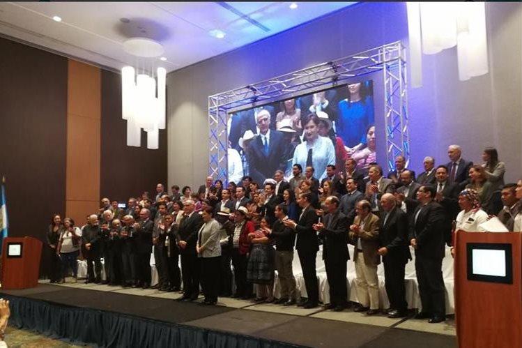 Integrantes del Frente Ciudadano contra la Corrupción. (Foto Prensa Libre: Geovanni Contreras)