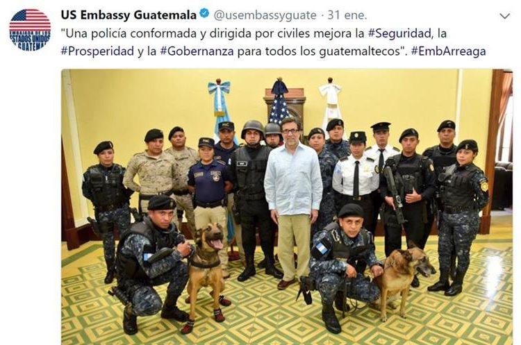 Mensaje difundido por el embajador de Estados Unidos, Luis Arreaga, en apoyo a la Policía Nacional Civil