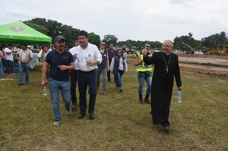 El proyecto fue solicitado por el obispo de Escuintla, Víctor Hugo Palma a ambas comunas. (Foto Prensa Libre: Enrique Paredes)