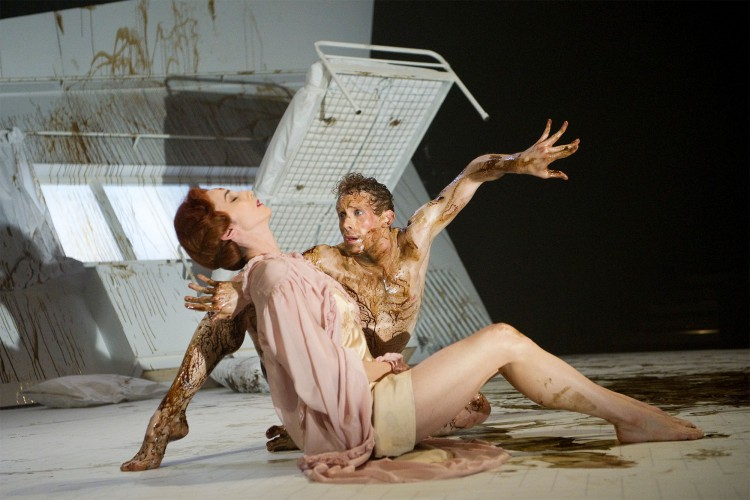 Metamorphosis at the Linbury Studio, Image: Tristram Kenton/ROH