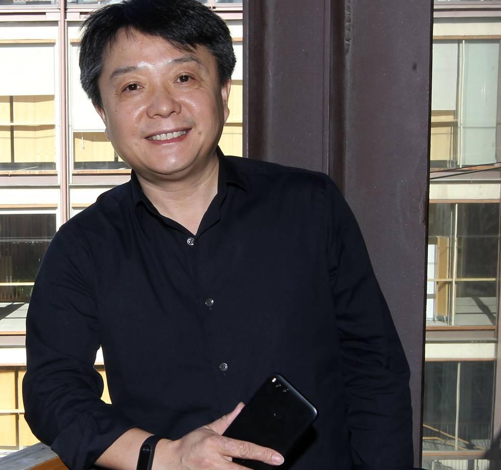 """Xiang Wang: """"Xiaomi quiere tener en un año el 10% del mercado español de móviles"""""""