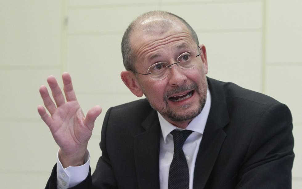 """Carlos Espinós: """"REE tiene capacidad financiera y puede apoyar el crecimiento de Hispasat"""""""