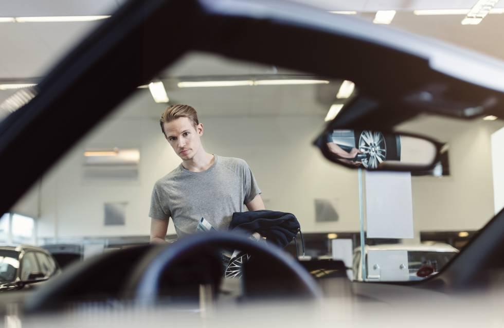 Los conductores, dispuestos a cambiar su coche viejo por uno joven
