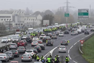 Corte de una autopista en Rennes, al sur de Francia.