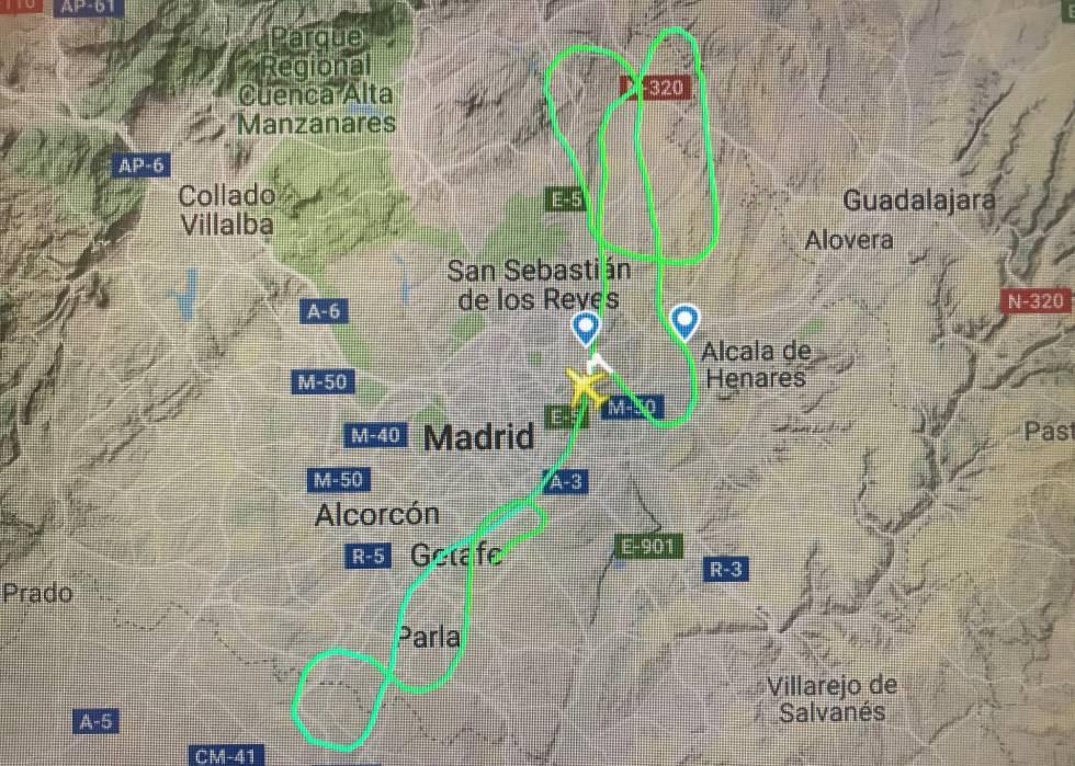 La trayectoria del vuelo desde el despegue hasta el aterrizaje de emergencia, registrada por Flightradar.