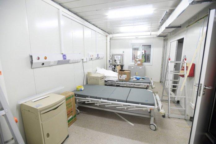 Una habitación del Huoshenshan Hospital en Wuhan, en la provincia de Hubei. Está ubicado en el suroeste de la ciudad, una zona que,rnasegura la agencia estatal de noticias Xinhua, cuenta con los serviciosrnnecesarios para el hospital y para los pacientes.
