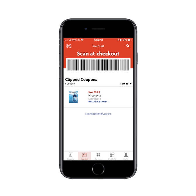 Les utilisateurs de l'application Family Dollar montrent le code-barres «Scan at checkout» au vendeur pour encaisser leur coupons numériques.
