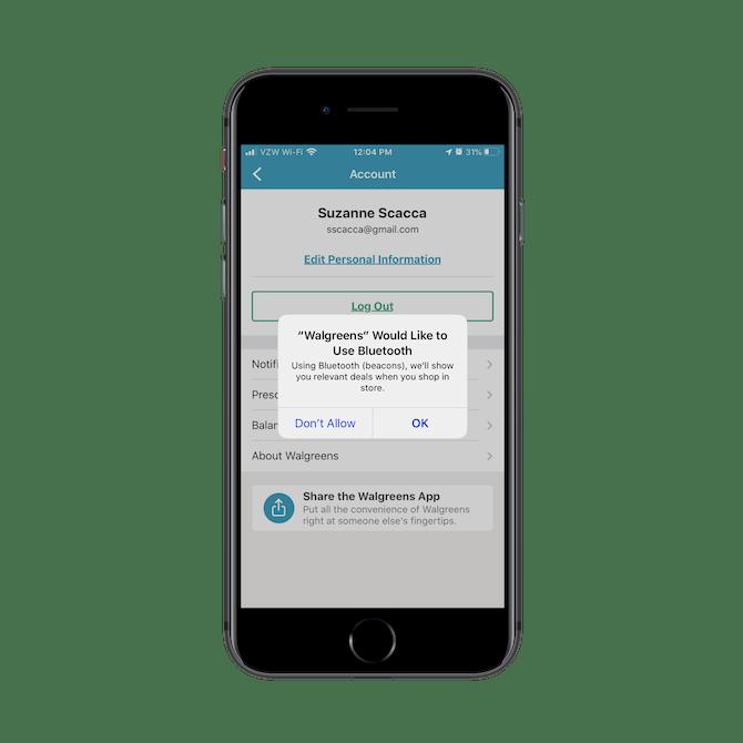 L'application Walgreens demande aux clients s'ils «aimeraient utiliser Bluetooth» (balises) afin de voir les offres pertinentes lorsqu'ils font leurs achats en magasin.