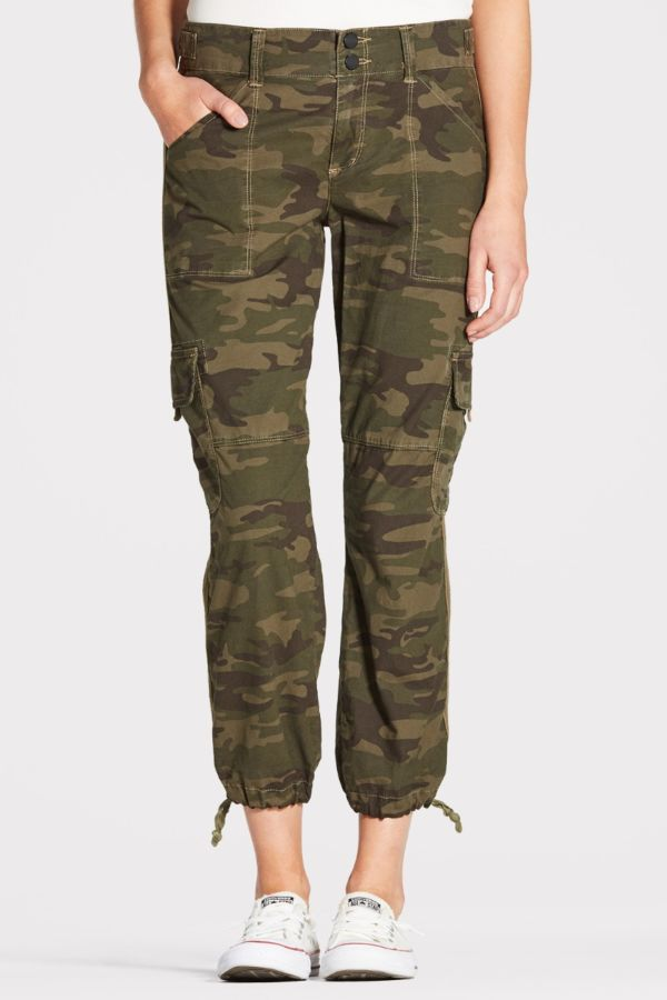 Camo Crop Pants #summerstyle #momstyle