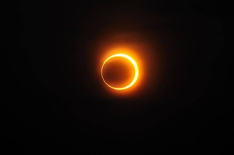 eclipse anular sol