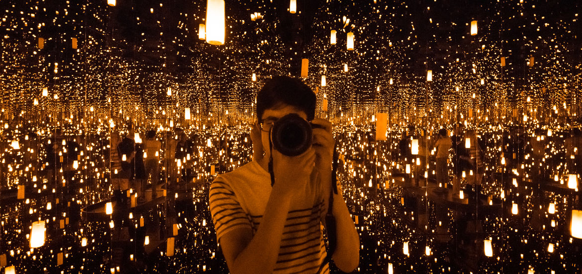 """A Moment Spins on the Axis of You: The Fourth Dimension of Yayoi Kusama's """"Infinity Mirrors"""" 