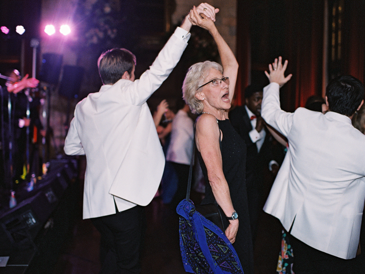 Guest dancing to band at Virginia wedding