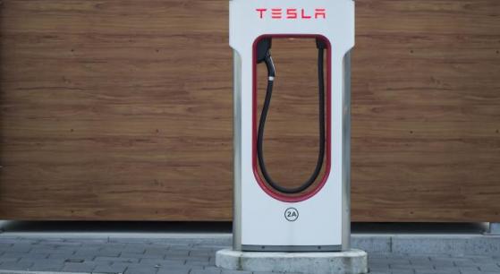 Tesla, nuovo target price di $1.200 da Piper Sandler