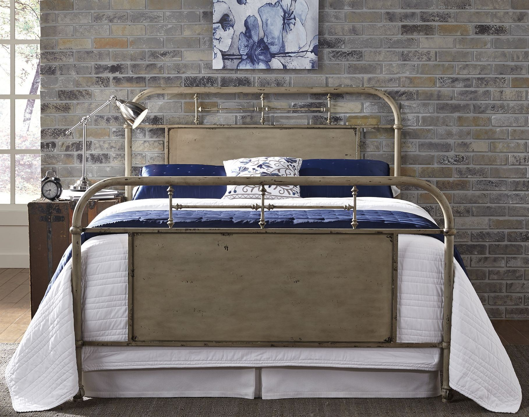 Vintage Distressed White Queen Metal Bed From Liberty (179