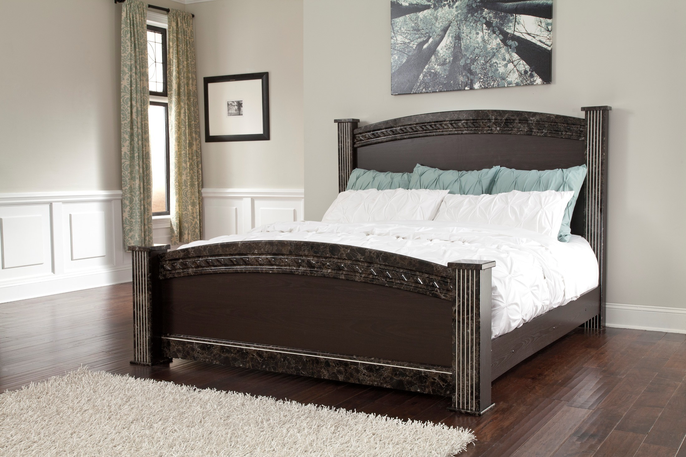 Traditional Poster Bed Queen Size